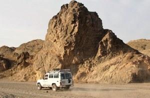 desert-1158102__340