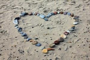 beach-193786__340