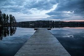 dock-1365387__180