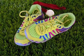 running-shoes-1428049__180