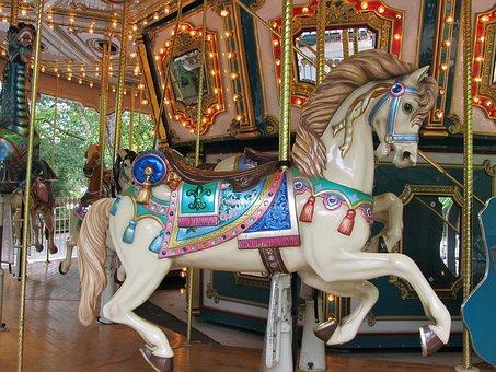 wooden-horse-1746813__340