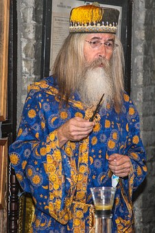 wizard-1107855__340