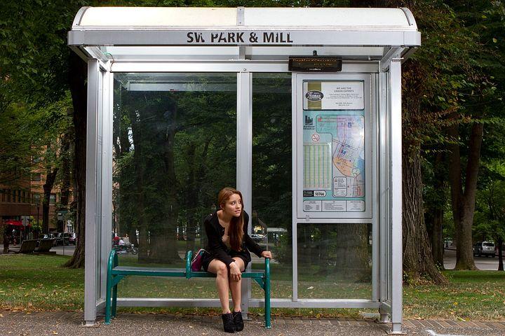 bus-stop-72171__480